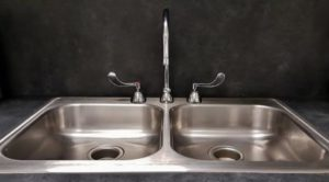 how to clean kitchen sink? step by step